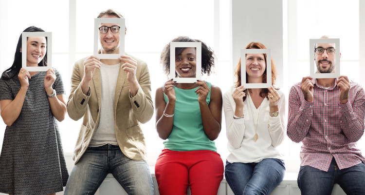 hoole blog 8 social media groups providing goldmine for real estate agents image1